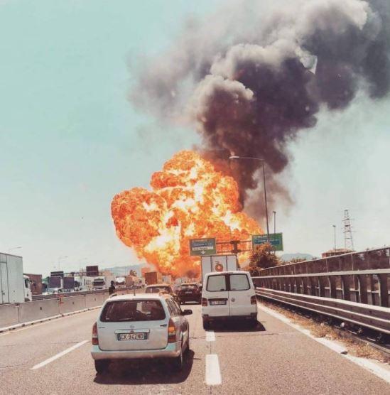 Очевидцами стали многие итальянцы, ехавшие по тому же шоссе