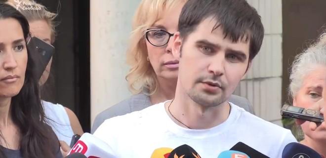 Александр Костенко отказался отвечать на некоторые вопросы журналистов