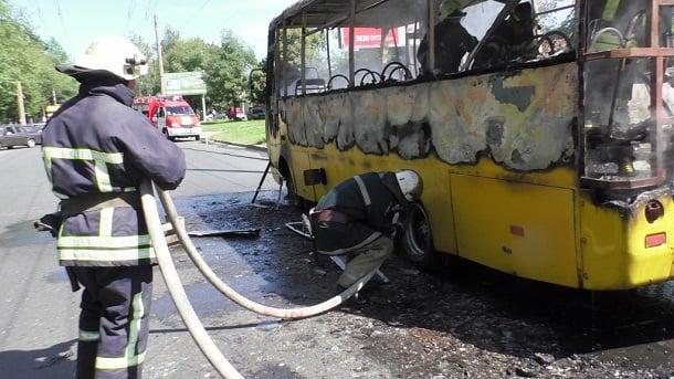 Сгоревшая маршрутка в Чернигове 3