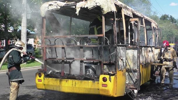 Сгоревшая маршрутка в Чернигове 4