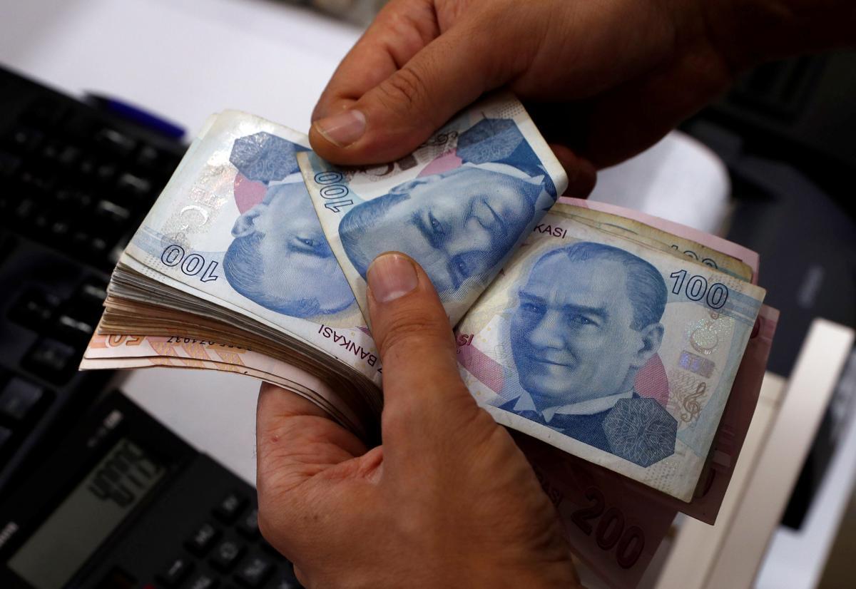 Эксперт: лира с начала 2018-го обесценилась вдвое, Турция может запустить механизм глобального экономического кризиса