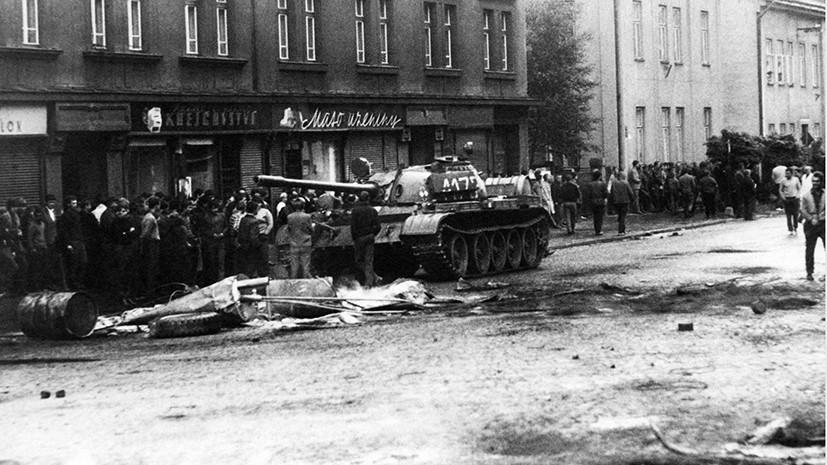 Советский танк на улицах Праги