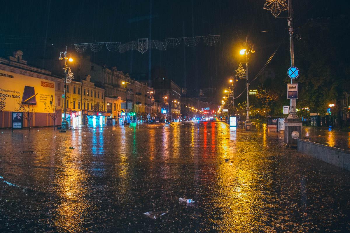 В Киеве затопило Крещатик