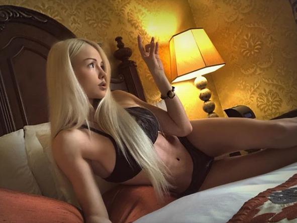 Валерия Лукьянова показала свое фото, сделанное на кровати