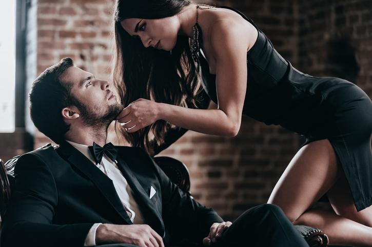 почему многие мужчины желают обладать женщиной сзади