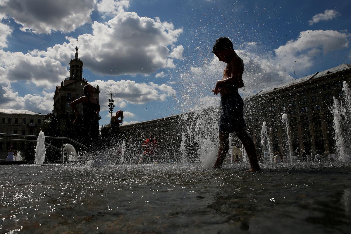 В Укргидрометцентре спрогнозировали, что в Киеве 3 и 4 сентября днем будет +31 градус