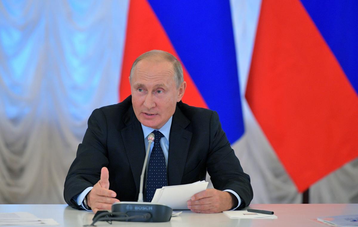 Социолог полагает, что в РФ Владимир Путин может назначить своим преемником формальную фигуру