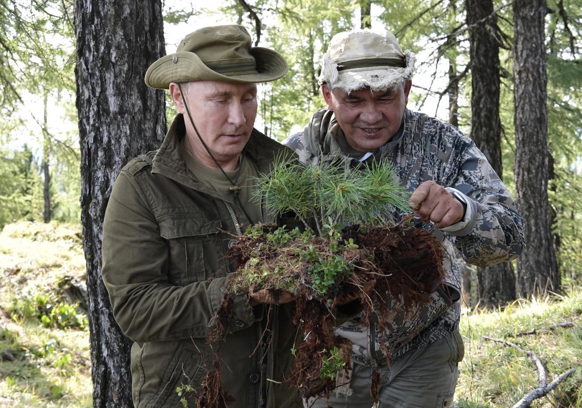 Влкадимир Путин и Александр Бортников