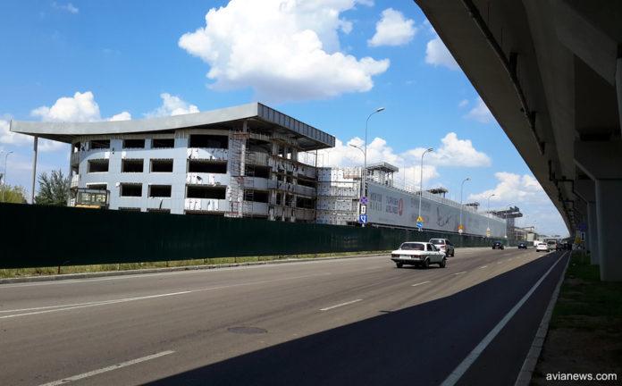 Аэропорт «Борисполь» планирует ввести дифференцированную плату запарковку нановом паркинге
