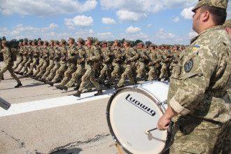 Президент сообщил, что в рядах армии Украины служат 55 тысяч женщин