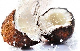 Кокосовое масло можно употреблять лишь в малых количествах / Фото: 062.ua