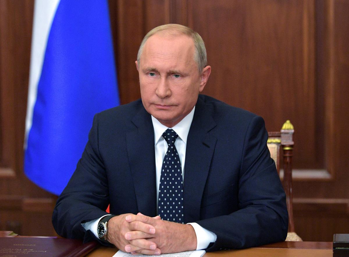 Российского президента сделали той самой маленькой матрешкой, что прячется внутри всех