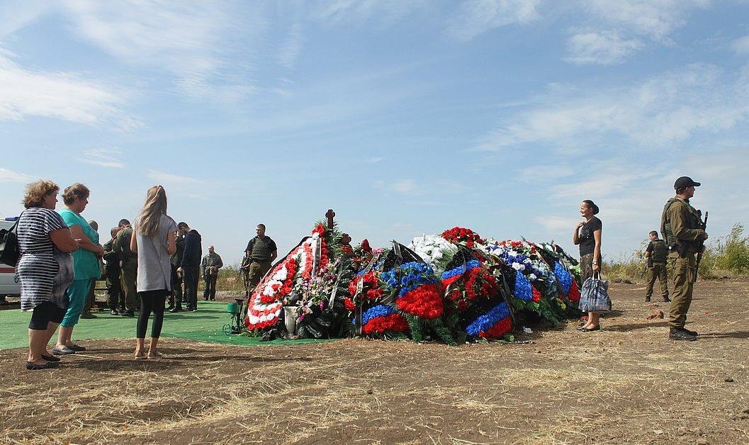 Журналист отметил, что Александра Захарченко похоронили на отшибе кладбища
