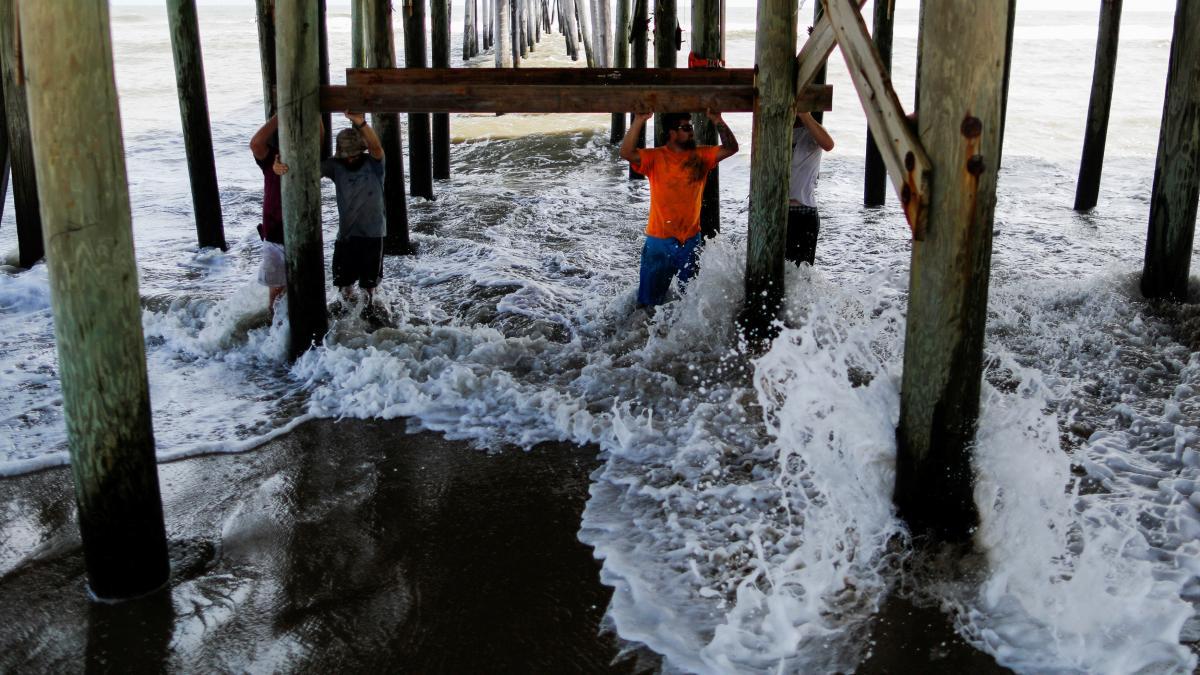 В США возросло число жертв урагана