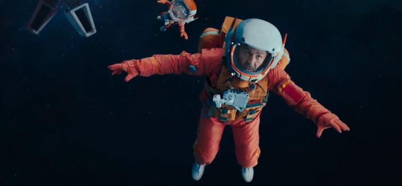Сергей Шнуров выступил в роли одинокого космонавта