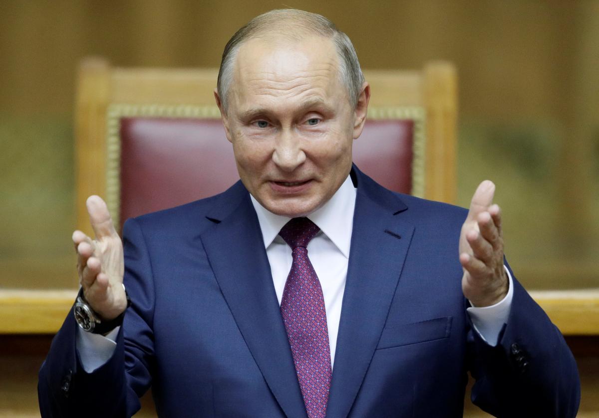 Курт Волкер полагает, что Владимир Путин хочет получить власть для оказания влияния за пределами России, а Петр Порошенко желает сделать больше для Украины