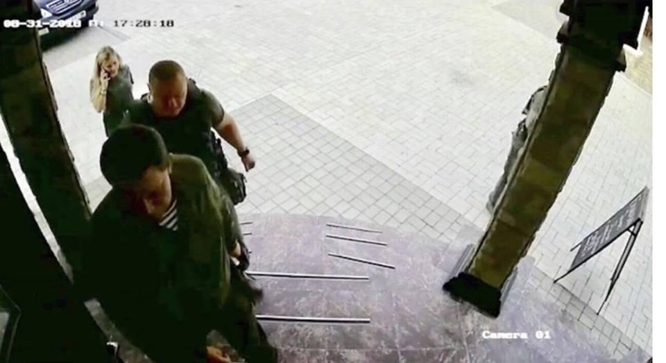 Захарченко шагнул в предбанник - и в этот момент произошел взрыв