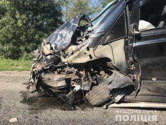 На Запорожье столкнулись два авто, погибли четыре человека