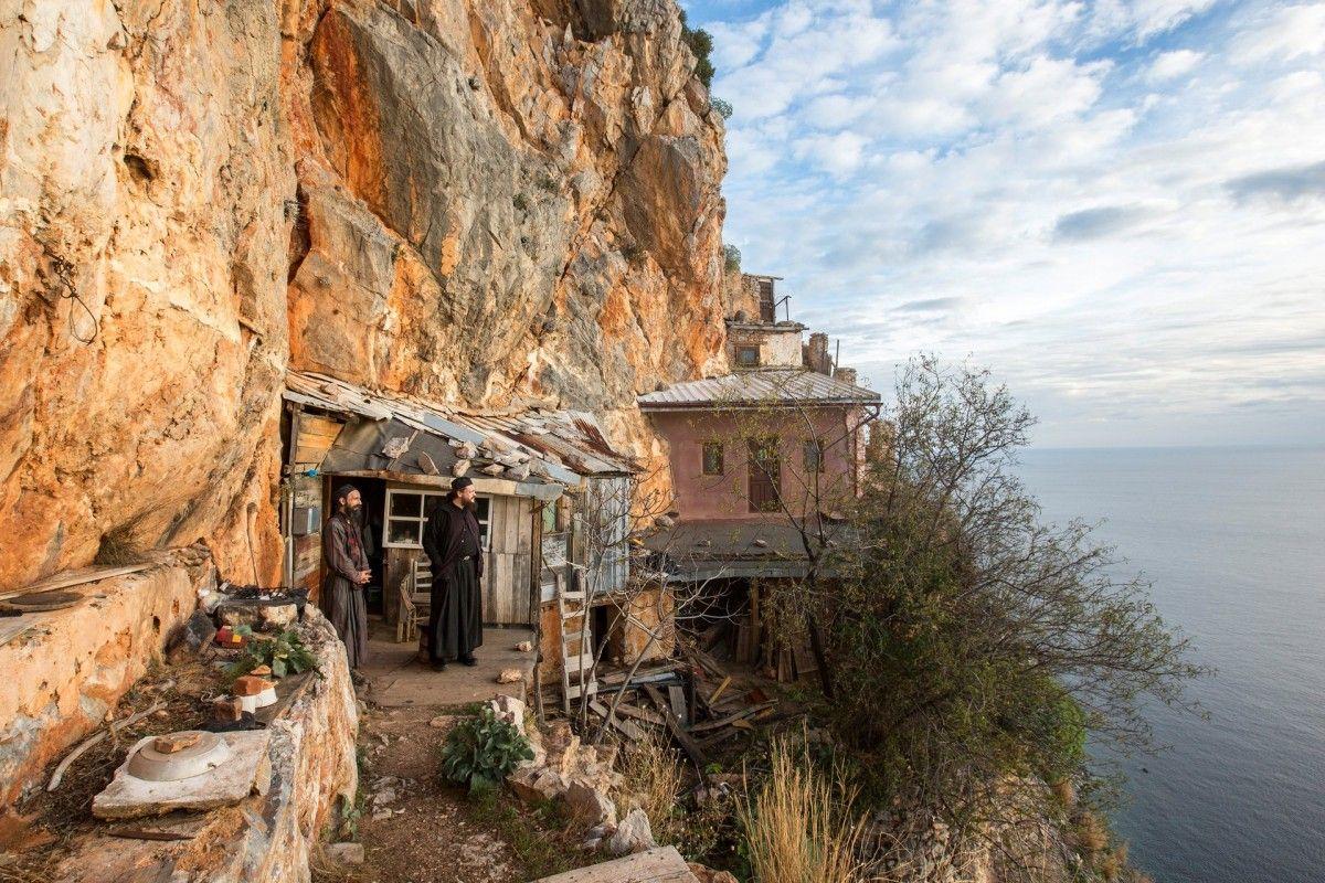 Гора Афон стала табу для верующих РПЦ