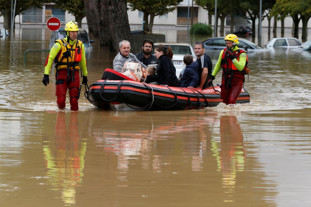 Во Франции в результате наводнения погибли 13 человек