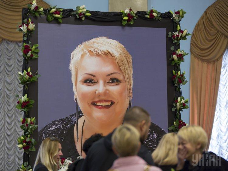 В Киеве ряд коллег попрощались с Мариной Поплавской