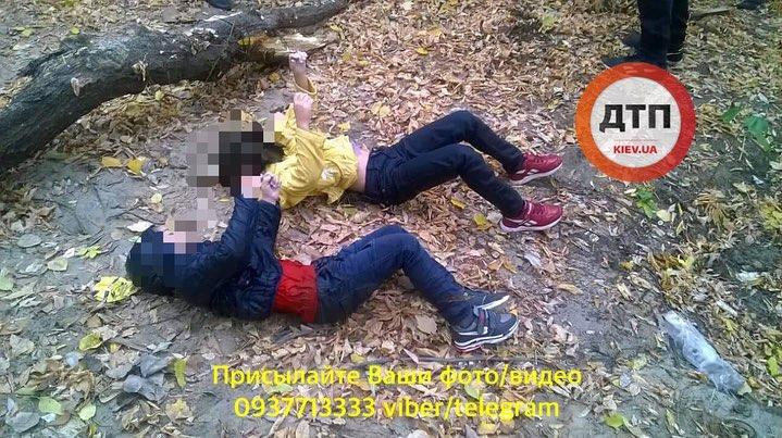Озеро ужаса. В Киеве неадекватная мать утопила детей: опубликованы фото 18+