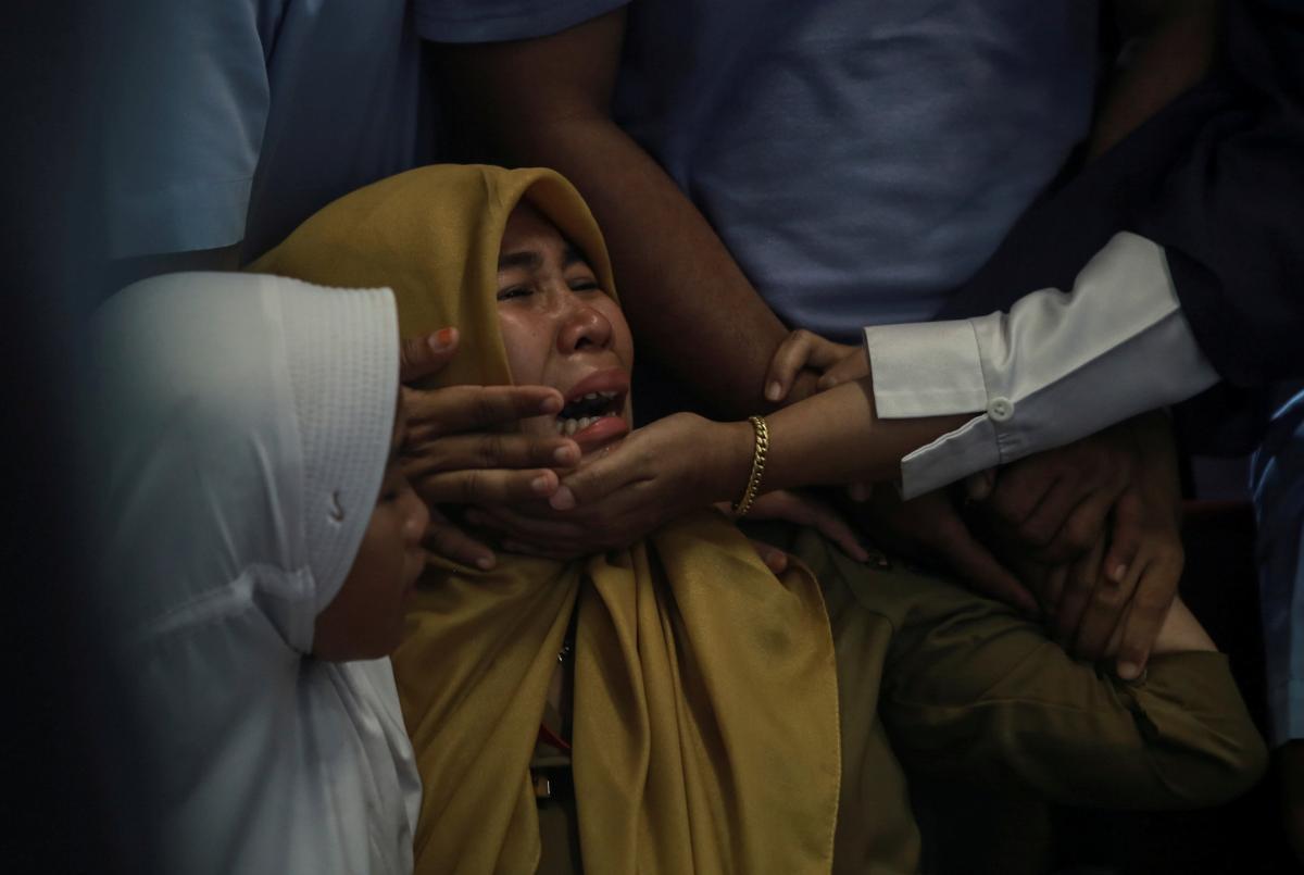 В Интернете показали фото пассажиров упавшего в Индонезии Boeing, отправленное за несколько минут до авиакатастрофы