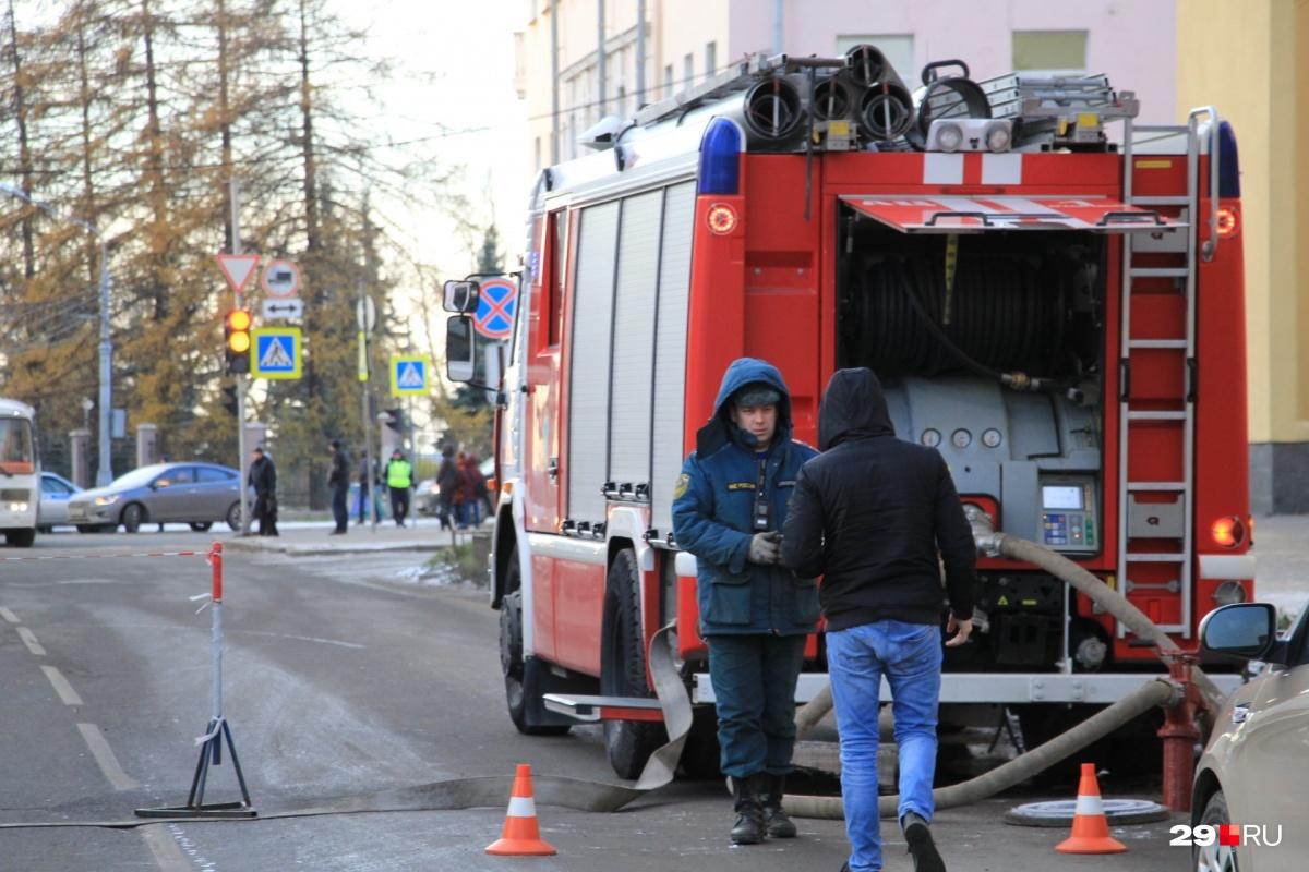 В Архангельске в результате взрыва у ФСБ пострадали три человека