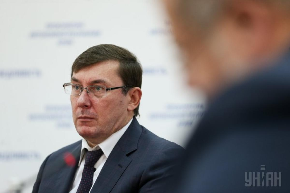 Юрий Луценко полагает, что Украина почти проиграла России информационную войну из-за пророссийских и олигархических телеканалов