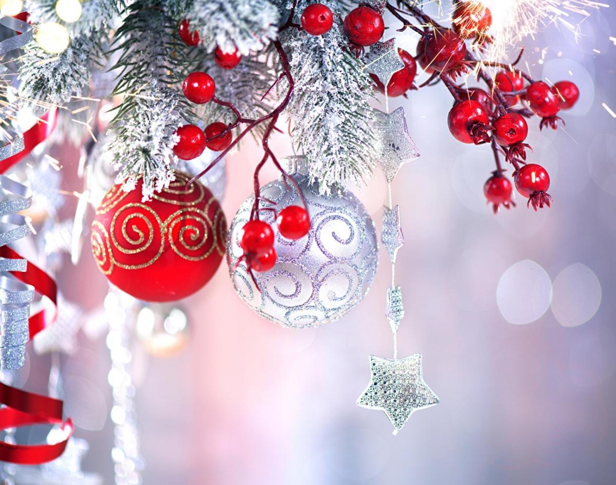Психолог полагает, что Новый год — полезный праздник, поскольку способствует постановке новых целей