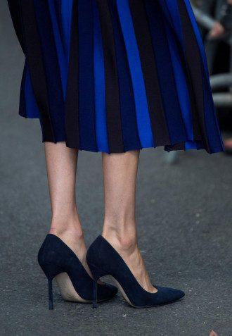 Врач сообщил, что обувь на высоком каблуке можно носить не более четырех часов подряд