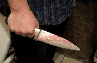 Окровавленный нож. Иллюстративное фото