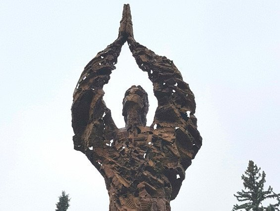 Памятник жертвам Голодомора в Ужгороде