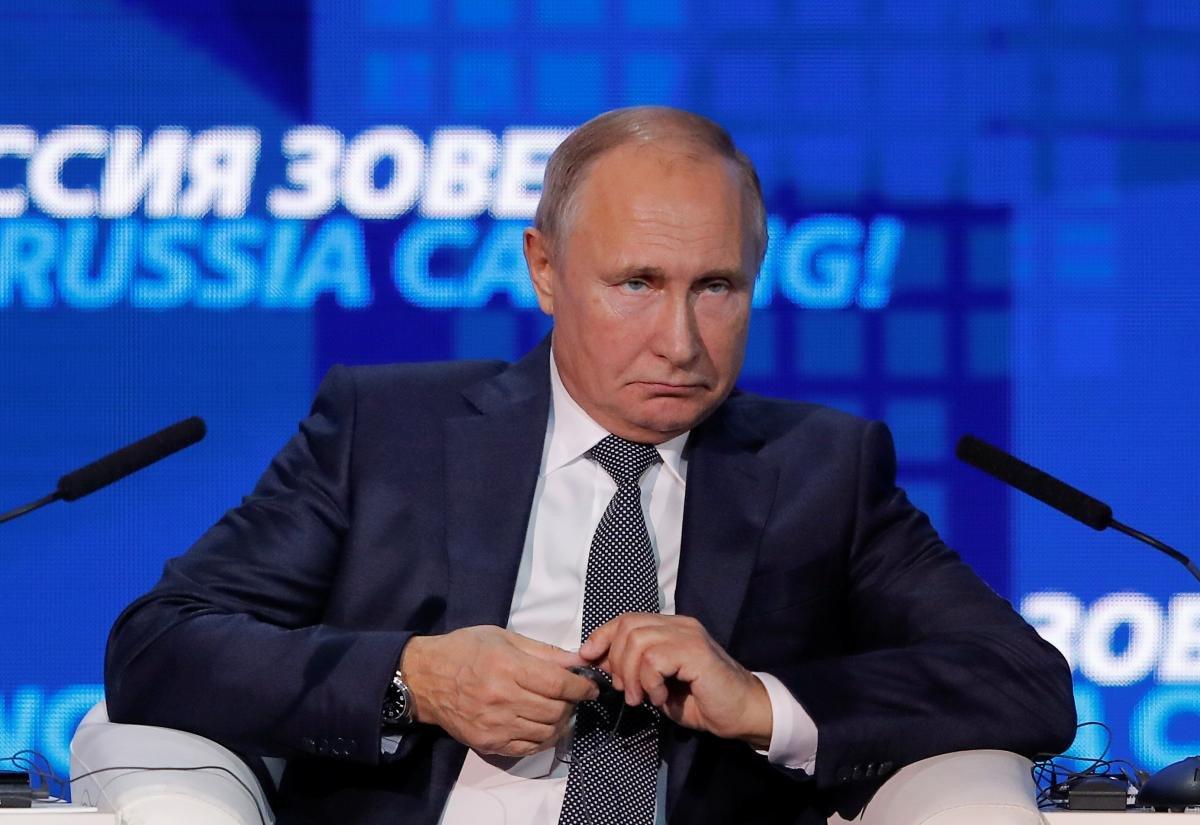 Дмитрий Песков сказал, что не знает о блокировании РФ прохода судов через Керченский пролив
