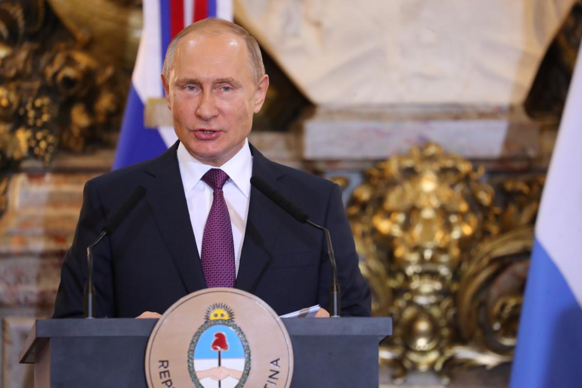 Владимир Путин — Владимир Путин хочет расчленить Украину на три части, сообщил социолог