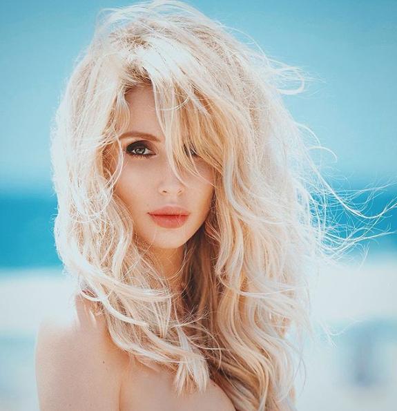 Светлана Лобода опубликовала снимок с голой грудью