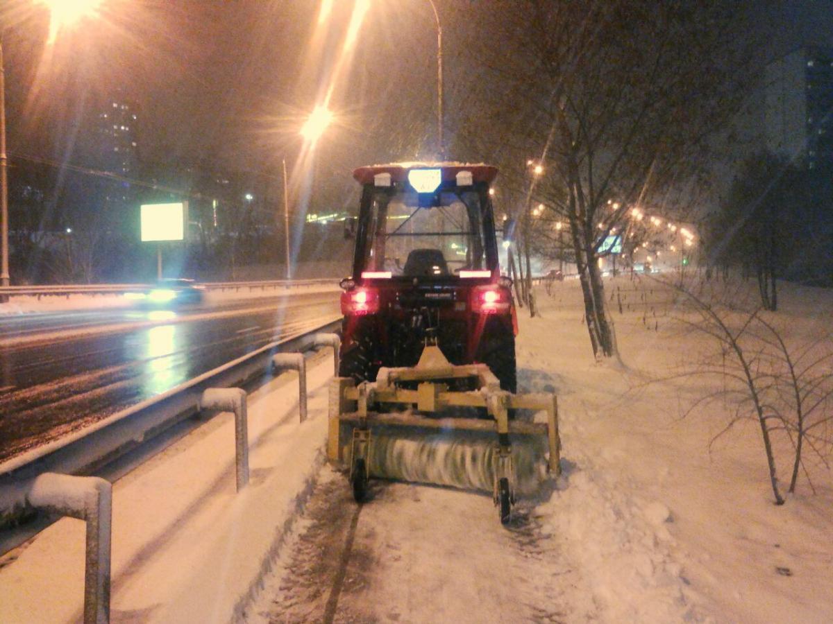 Уборка снега в Киеве