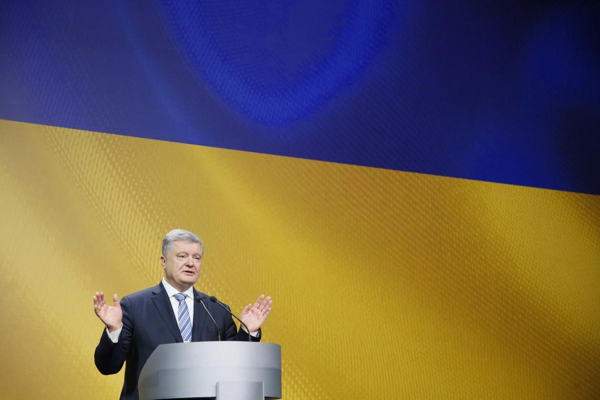 Петр Порошенко утверждает, что не добивался продления военного положения в Украине из-за будущих выборов