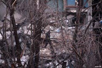 В Магнитогорске из-под завалов подъезда спасли людей