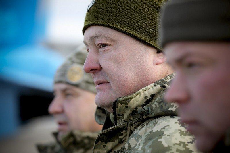 В некоторых областях был перевыполнен план по сборам резервистов, сообщил Петр Порошенко
