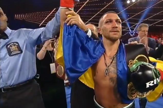 Василий Ломаченко по очкам победил Хосе Педрасу