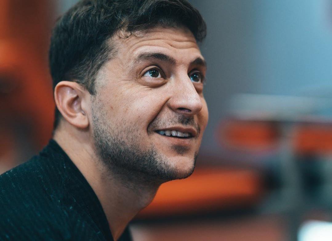 Нардеп сказал, что за Владимиром Зеленским могли следить представители спецслужб Украины или журналисты