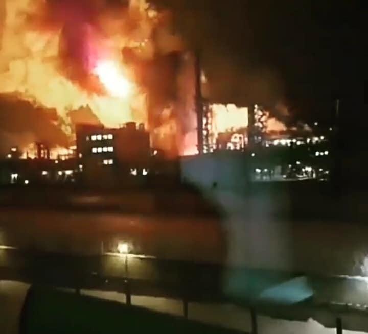 Вгосударстве Украина  произошел пожар нанефтеперерабатывающем заводе «Карпатнефтехим»
