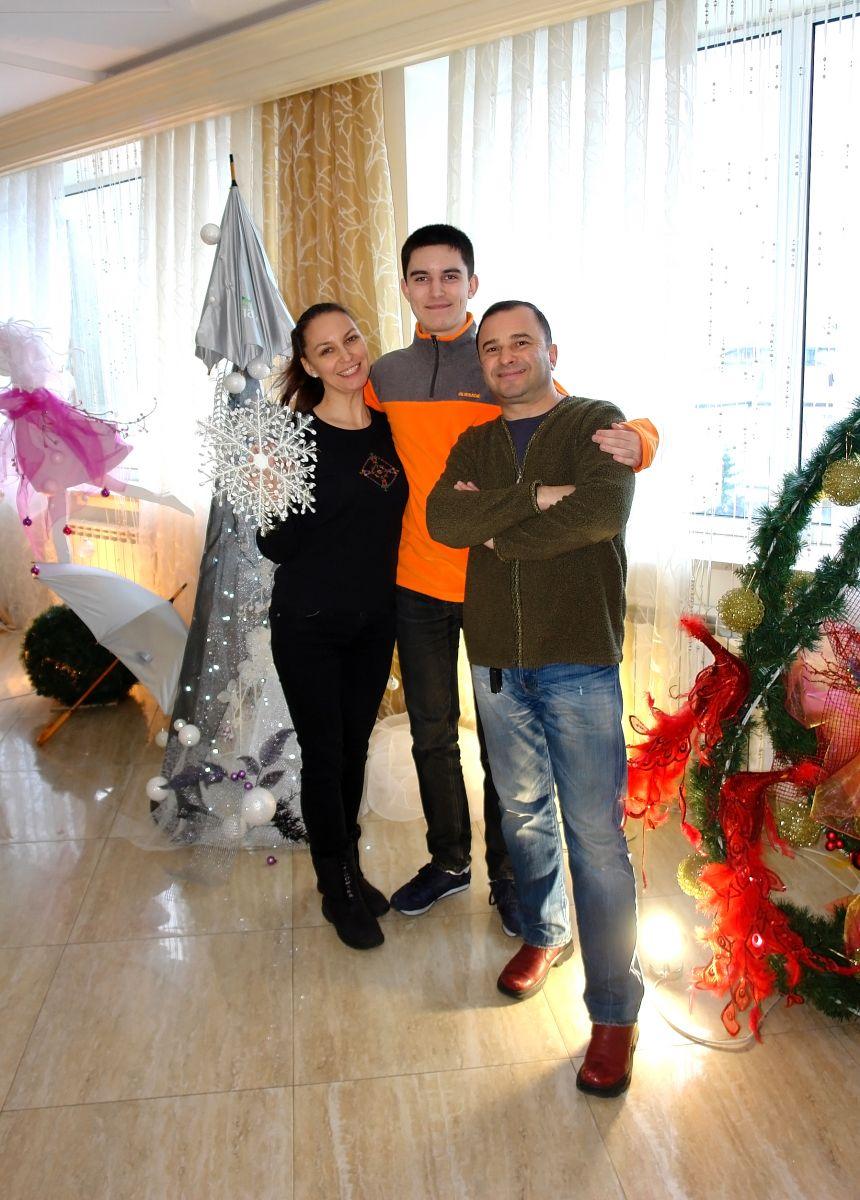 Виктор Павлик, жена, сын