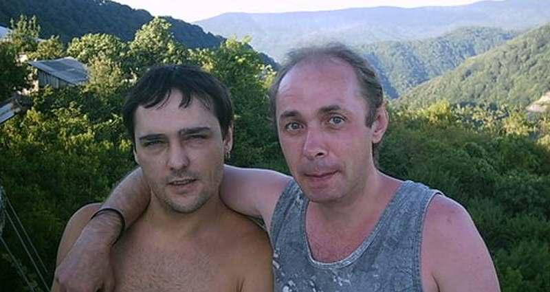Убью, сволочь!: автор хита Белые розы ворвался спистолетом кРазину