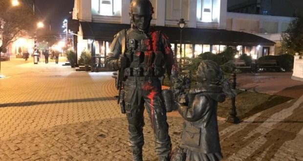 Омбудсмен России утверждает, что в Крыму памятник