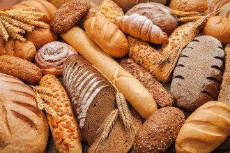 Диетолог сообщила, что при похудении в день можно есть 25-30 грамм хлеба