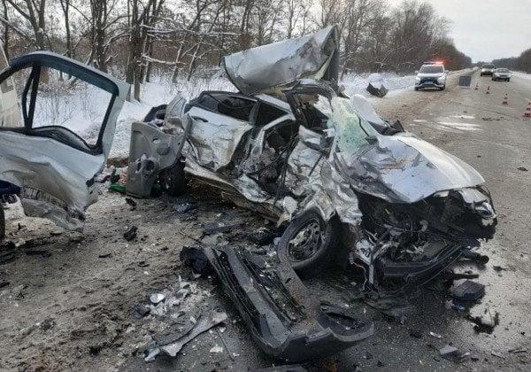 Под Чугуевом в результате смертельной аварии девять человек попали в больницы