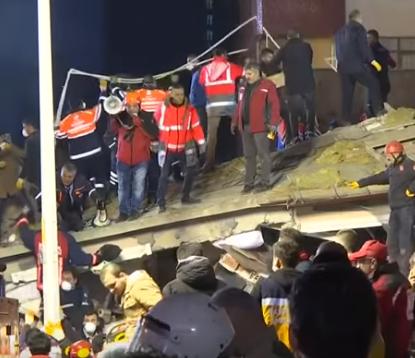 В Турции количество жертв обрушения 8-этажки возросло до 21 человека