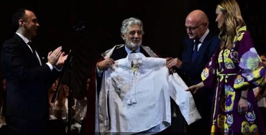 Оперный тенор Пласидо Доминго стал в Украине профессором